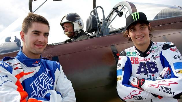 Květen 2012: Závod o nejrychlejší dopravní prostředek vyhrál bezkonkurenčně Karel Abraham. Se svou motorkou porazil závodní auto i letící stíhačku.