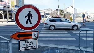 Dočasně zrušený přechod pro chodce u Vaňkovky