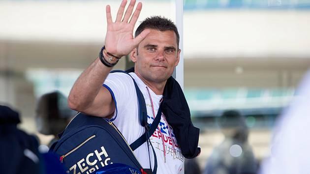 Brokový střelec David Kostelecký před odletem na olympijské hry do Tokia.