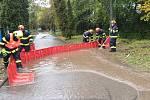Výstraha meteorologů, kteří varovali před rozvodněním řek, se na jižní Moravě vyplnila na řekách Bělé na přítoku do Boskovic na Blanensku a na Veličce ve Strážnici na Hodonínsku, kde byl vyhlášený třetí stupeň povodňové aktivity.