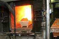 Ve spalovacích komorách je vždy jen jeden nebožtík. Popel patří konkrétnímu člověku.