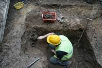 Archeologové bádají v Orlí ulici v Brně.