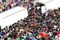 Pořádnou oslavu si užili studenti bydlící na kolejích Vysokého učení Technického Pod Palackého vrchem v Brně. Jejich kolej zvítězila v soutěži Kolej roku 2012. Studenti za odměnu získali deseti tisíc piv a deset tisíc balení krekrů.