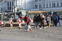 Výluka MHD na hlavním nádraží.