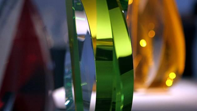 Čeští a slovenští skláři mají před světem náskok nejméně dvacet let. Se sklem začali experimentovat již v padesátých letech.