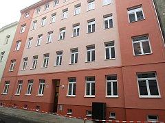 Město opravilo dům číslo 3 v ulici Spolková.