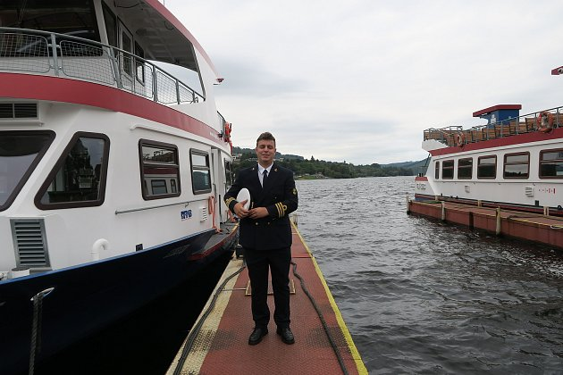 Jakub Švantner jezdí jako kapitán na přehradě vbrněnské Bystrci.