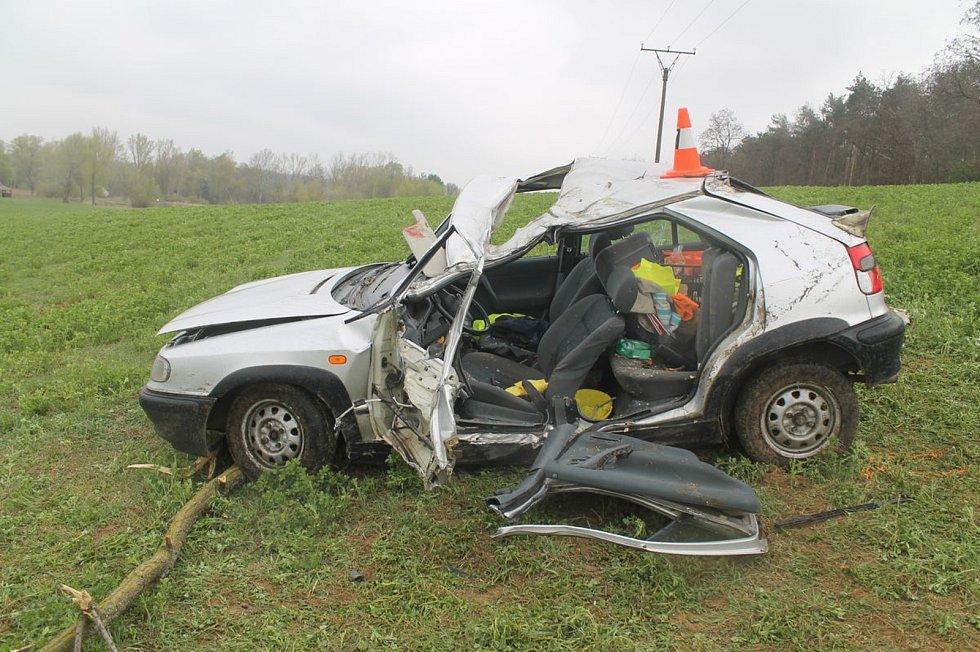 Tragická nehoda mezi Polešovicemi a Moravským Pískem.