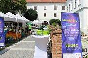Na počest slavného brněnského přírodovědce a zakladatele genetiky Johanna Gregora Mendela v sobotu po jedné hodině odpoledne organizátoři slavnostně zahájili multižánrový festival Mendel je… vědec.