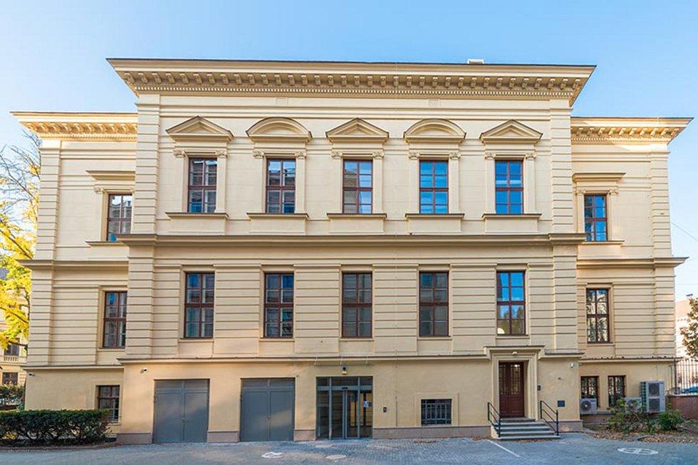 Rekonstrukce budovy Filozofické fakulty Masarykovy univerzity v Joštově ulici v Brně, 3. místo v kategorii Rekonstrukce staveb.