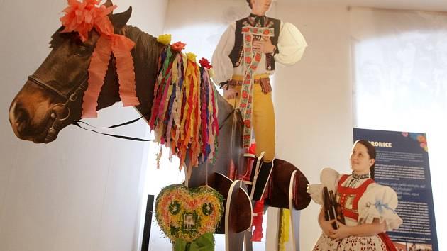 Výstava v brněnském Paláci šlechtičen přibližuje tradiční slováckou Jízdu králů.