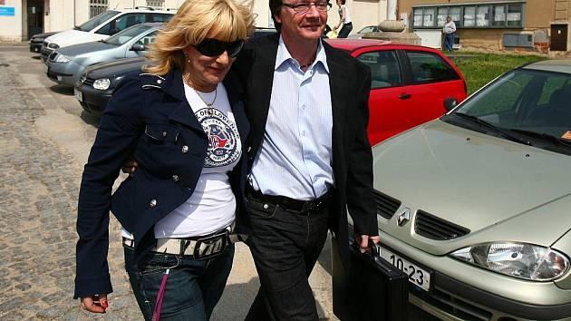 Bývalý starosta brněnské městské části Žabovřesky Aleš Kvapil opouští vazební věznici v Bohunicích.