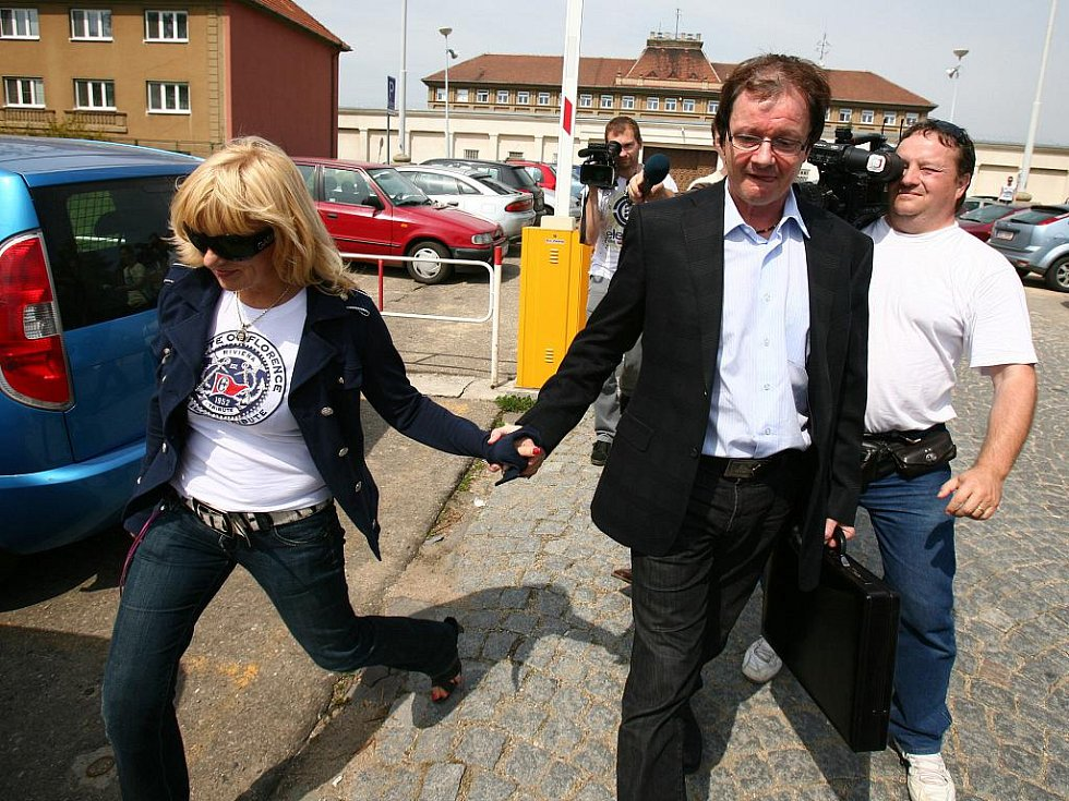 Bývalý starosta brněnské městské části Žabovřesky Aleš Kvapil ve středu stane před soudem.
