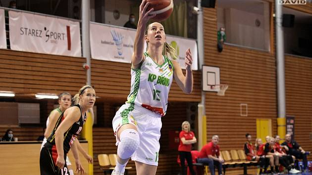 Basketbal: KP Brno (bílá) - Hradec Králové.