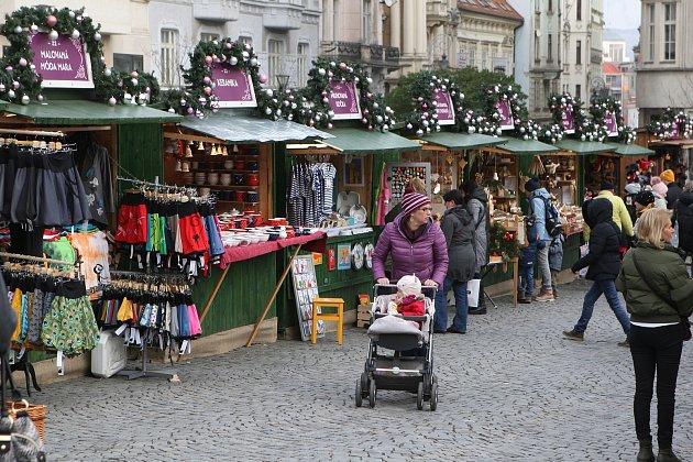 Vánoční trhy na Zelném trhu a Moravském náměstí v Brně