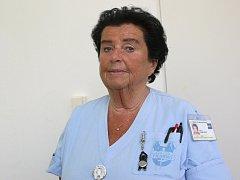 Zdravotní sestra z brněnské Dětské nemocnice, kde pracujee už půl století, Blanka Themlová.