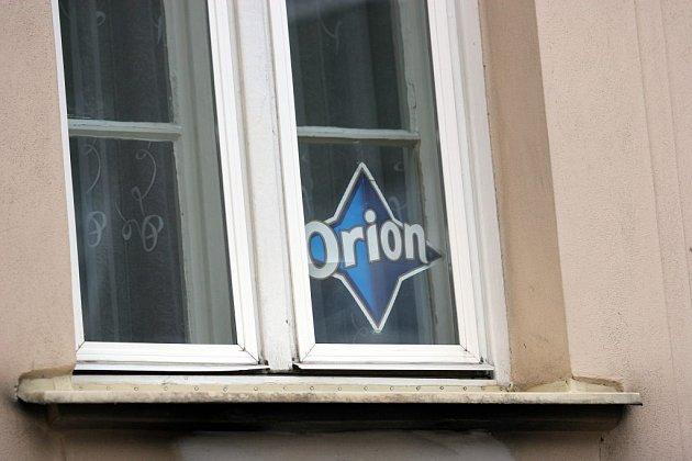 Hvězda Orion v okně