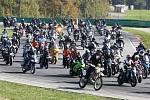 Vzpomínková jízda na zesnulého závodníka Marca Simoncelliho na brněnském Masarykově okruhu.
