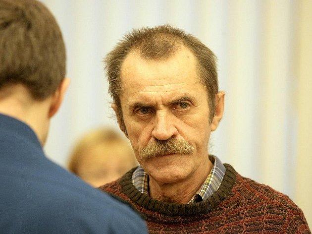 Bohuslav Kovařík u soudu v Brně.