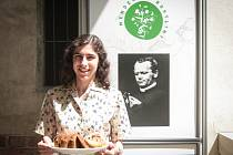 Brněnské centrum Mendelianum v Biskupském dvoře v pátek nabídlo program k oslavám narození přírodovědce a zakladatele genetiky Johanna Gregora Mendela. Návštěvníci mohli ochutnat pokrmy připravené podle receptů z roku 1928 kuchařky Luisy Ondráčkové.