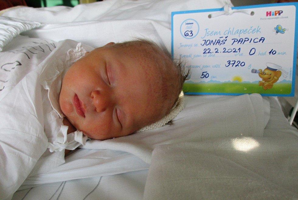 Jonáš Papica, 22. 2: 2021, Valtice, Nemocnice Břeclav, 3720 g, 50 cm