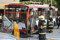 Srážka tramvaje a trolejbusu v Brně z května 2011.