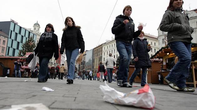 Odpadky na náměstí Svobody
