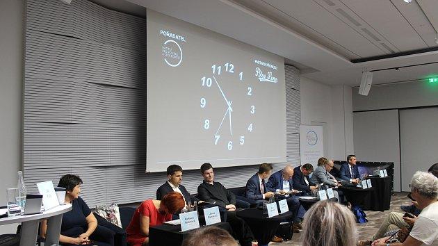 O dopravě, kultuře, sportu i sociálních tématech debatovalo deset kandidátů na brněnského primátora