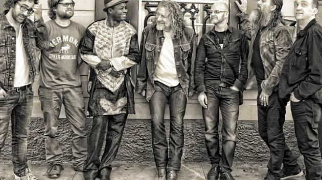 Robert Plant se skupinou The Sensational Space Shifters.