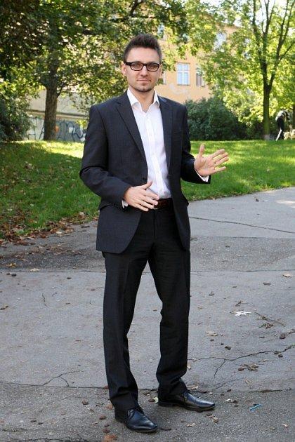 Politolog a marketingový poradce Pavel Šíma považuje letošní kampaň vBrně za málo vyhrocenou. Strany si nechtějí uzavřít možnosti povolební spolupráce.