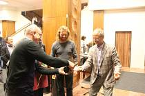 Publikaci o brněnských sochách a jejich příbězích pokřtil kolektiv autorů v čele s Radkem Horáčkem v pondělí v brněnské Scale.
