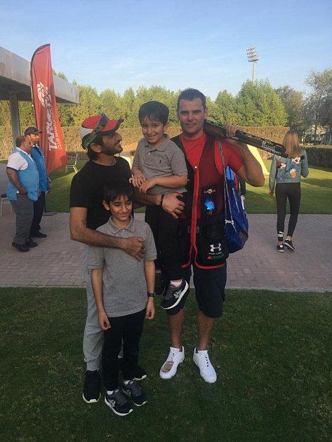 Oba se stali olympijskými vítězi vbrokové střelbě, jenže zatímco brněnský rodák David Kostelecký (na snímku vpravo) vkariéře pokrčuje, Ahmed Al Maktoum (vlevo) už ji dávno přerušil.