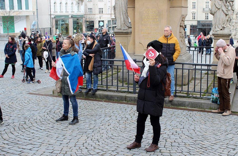 Demonstrace na Zelném trhu v centru Brna a následný pochod, 14. března 2021.