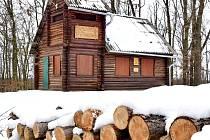 Myslivci udržují chatu Výrovk ajiž od roku 1953.