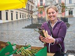 Pokračování festivalu Vivat Zelňák přineslo lidem na trh chřestová jídla i doprovodný program s motivem oblíbené zeleniny.