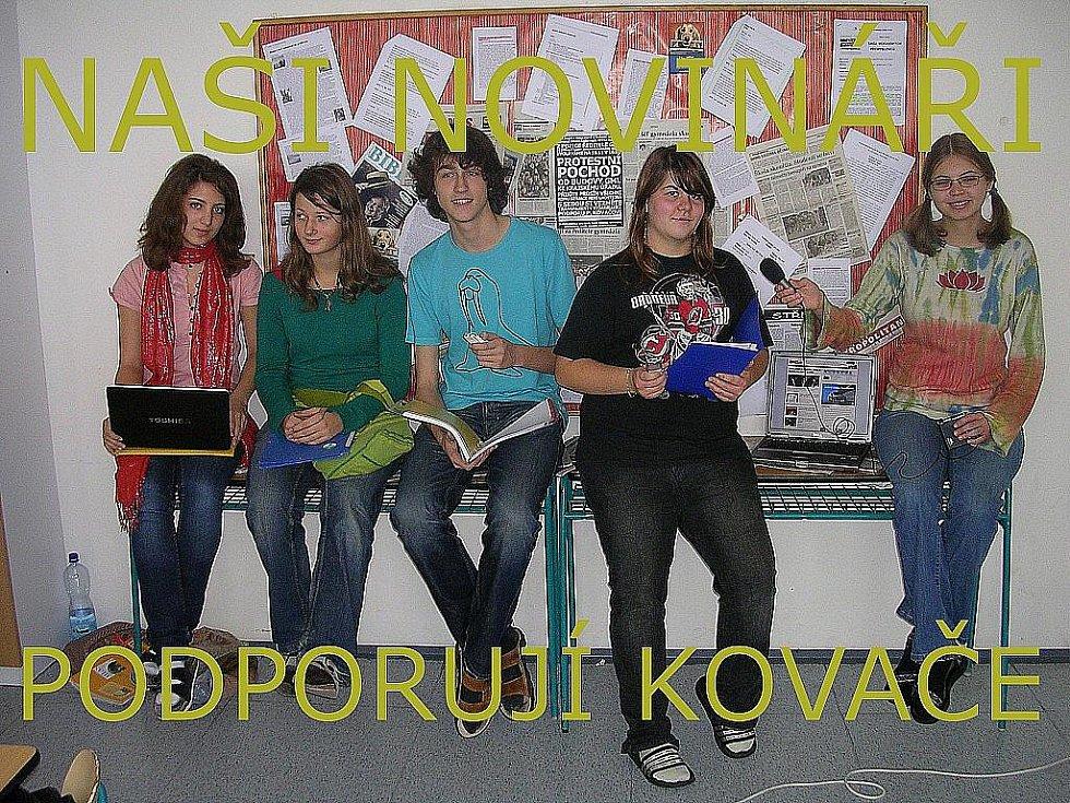 Novináři podporují Kovače.