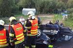 Dvě osobní auta se střetla v Úsuší na Brněnsku. Řidiči obou vozidel utrpěli středně těžká zranění