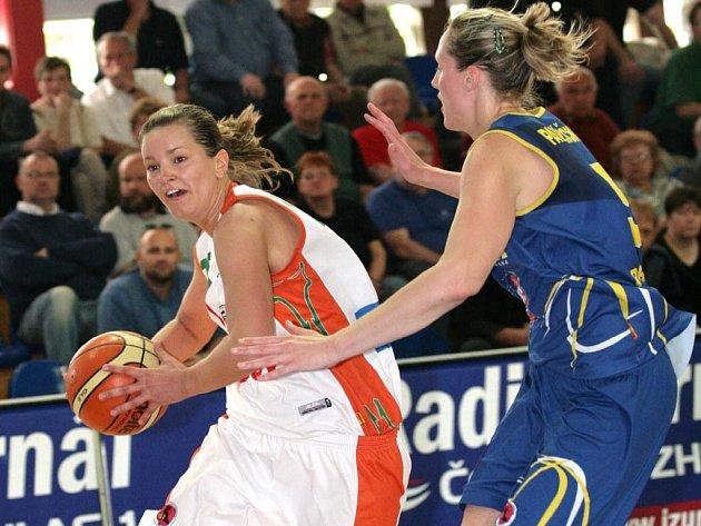 Brněnské basketbalistky chtějí dnes slavit titul.