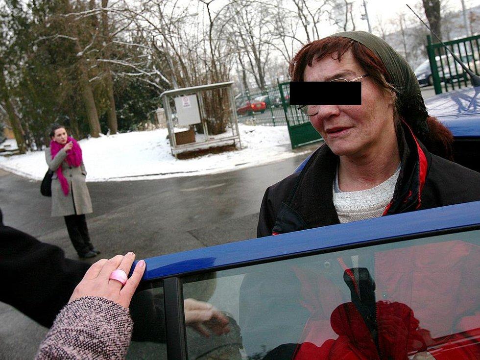 Žena, která skrývala pětiletou dceru.
