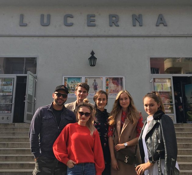 Upříležitosti premiéry filmu Nejsledovanější do Brna dorazili youtubeři Kovy, ACup Of Style, Shopaholic Nicol, Pedro a Gabrielle Hecl.