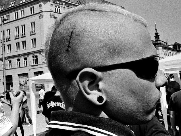 Dělnická strana v Brně na náměstí Svobody