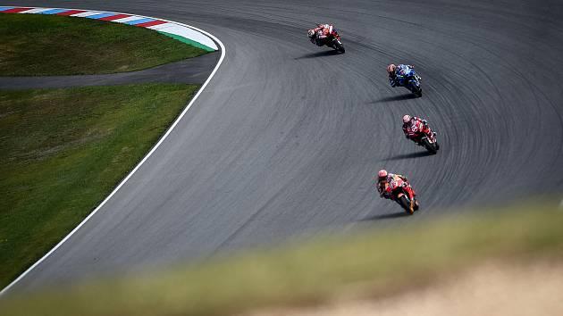 Finálový závod MotoGP Velká cena České republiky, závod mistrovství světa silničních motocyklů v Brně 4. srpna 2019. Na snímku (vpravo dole) Marc Marquez (SPA).