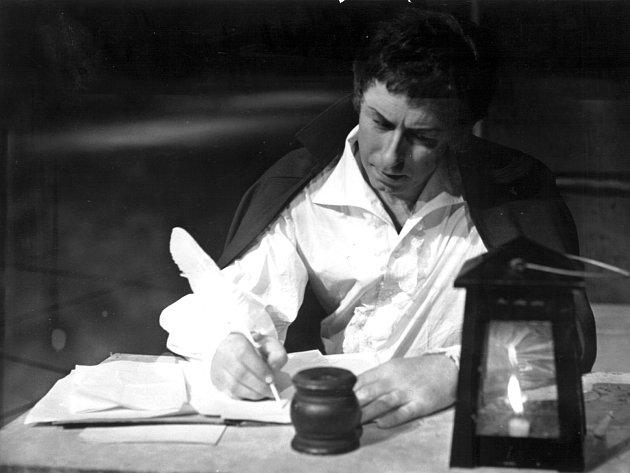 Vladimír Krejčík v roli Cavaradossiho v opeře Tosca z roku 1970.