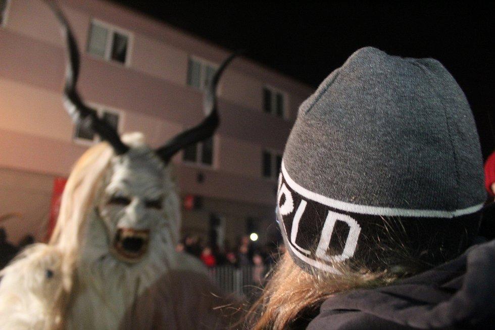 Židlochovicemi na Brněnsku prošli v sobotu rakouští krampusové.