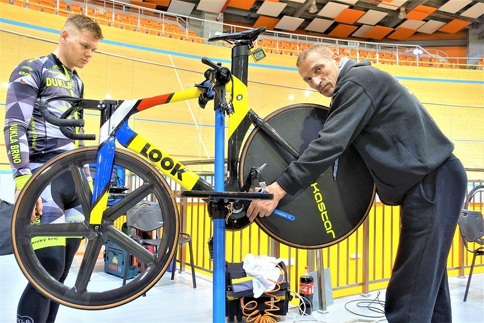Dráhoví cyklisté brněnské Dukly (mechanik Martin Kaňkovský) strávili další dva týdny na soustředění v Bulharsku.