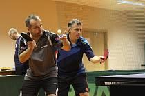 První místo ve dvouhře na Znovín Cupu bral Richard Ofčanský (na snímku vpravo).