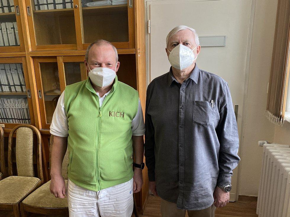 Necelých 1200 dávek léku firmy Regeneron mají ve Fakultní nemocnici v Bohunicích. Příští týden očekávají další dva tisíce.