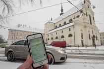 Po letech fungování služby Uber v Praze mohou nyní využít alternativní způsob cestování i Brňané.