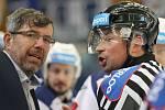 Hokejisté brněnské Komety porazili i ve čtvrtém utkání čtvrtfinálové série play-off extraligy Vítkovice, tentokrát 3:1. Na snímku trenér Pokorný.