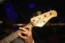 Basová kytara - ilustrační foto.